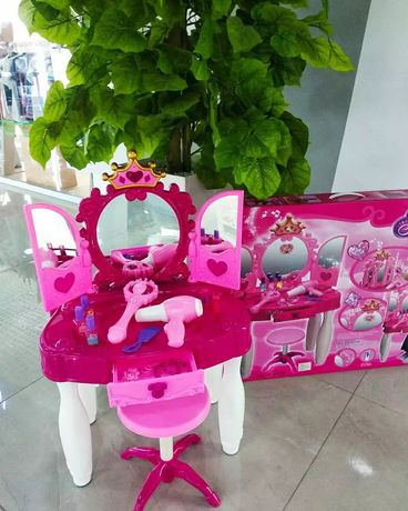 Продается игрушка детский трюмо
