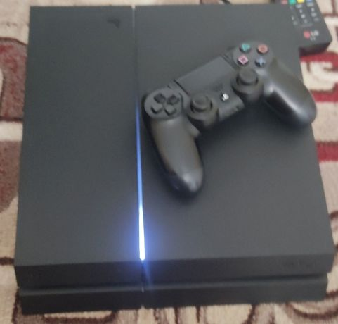 СРОЧНО продам PlayStation 4