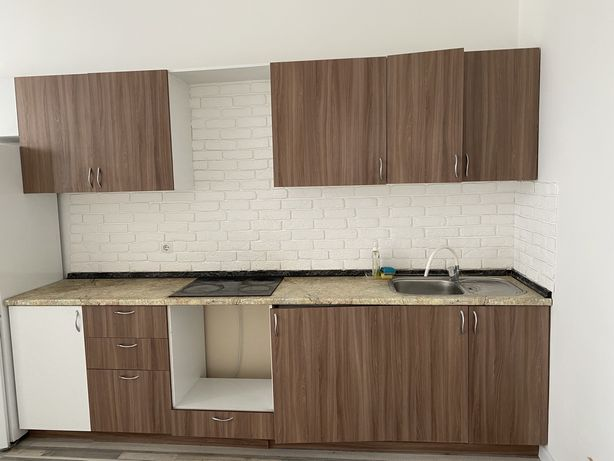 Кухонный гарнитур+ мойка+ электрическая поверхность б/у