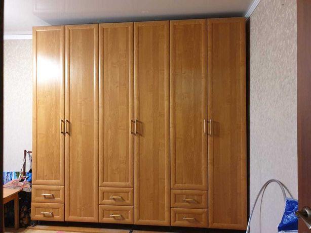 Шкаф-шифоньер , навесной шкаф
