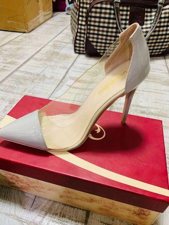 Продаются женские туфли, кожаные, размер 39