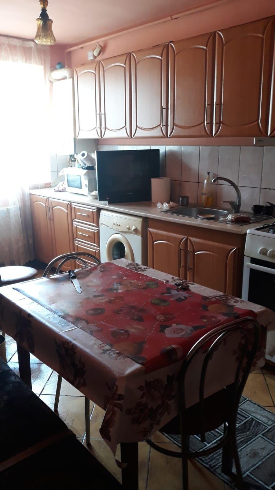 Vând apartament 2 camere Nasaud