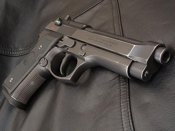 Pistol Airsoft Beretta M9 Propulsie Aer Comprimat 4,6j METAL