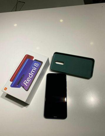 Продам телефон xioami redmi 8  память 3 гб 32.