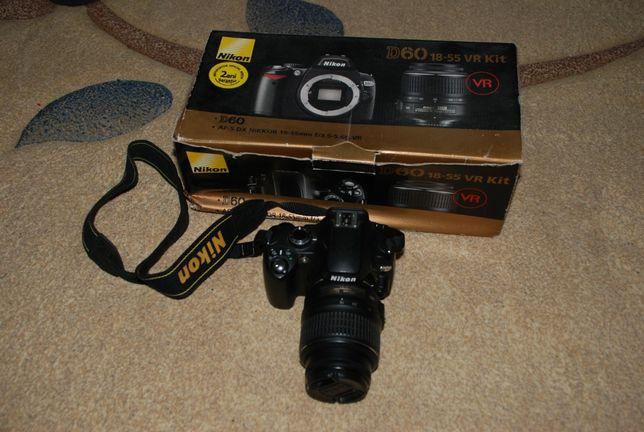Aparat foto DSLR Nikon D60 + NIKKOR 18-55 VR