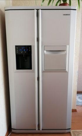 Холодильник Samsung Side-by-Side.