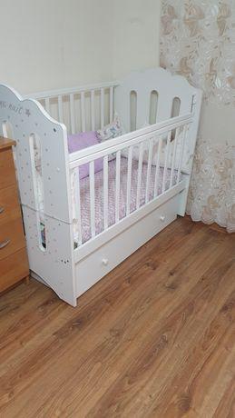Продаётся детская кроватка