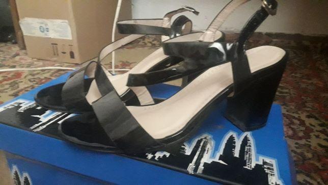 Женская обувь срочно