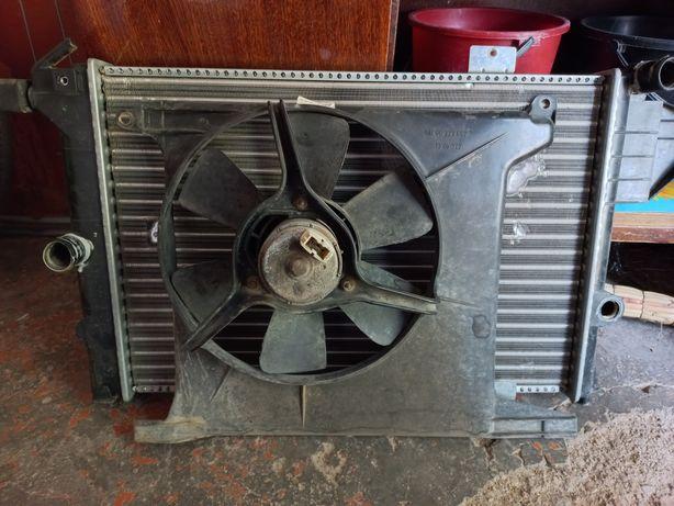 Радиатор, с вентилятором, на Опель Вектра 1.8