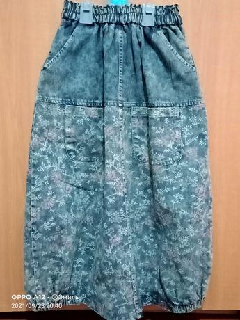 Джинсовая юбка с рисунком