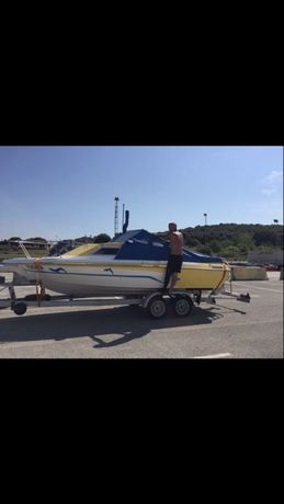 Моторна лодка-Яхта