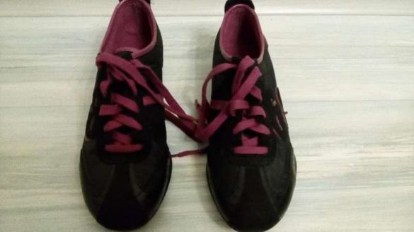 Обувки Esprit