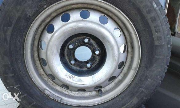 Продавам гуми с джанти за VW T5