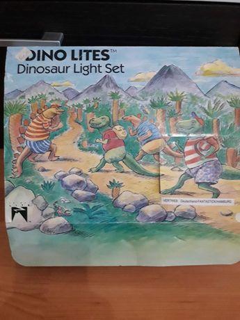 Instalatie Brad  Dinozaurii/ Dino Lites