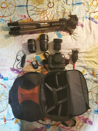 Canon EOS 60D +3 obiective + trepied + grip + ghiozdan foto