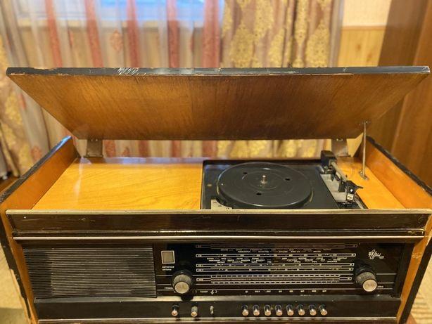 Продам радиолу Урал -111
