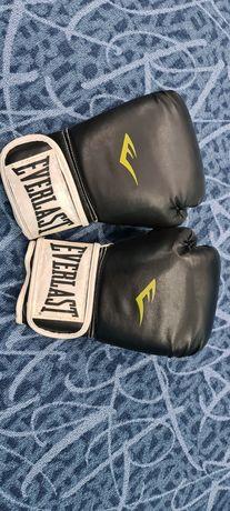 Боксёрские перчатки Everlast