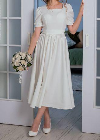 Продам платье!  Белое, размер 42.