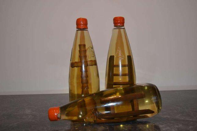Confectionez sticle cu obiecte artizanale