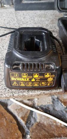Винтоверт Dewalt DC728