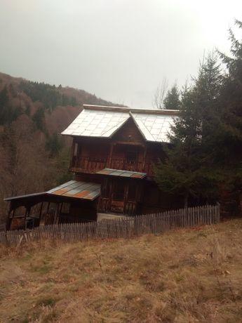 Vând casa în localitatea Rucăr Arges