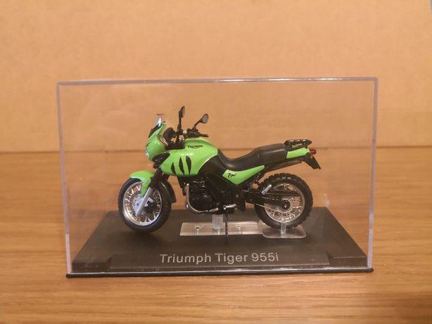 Macheta IXO/Altaya Triumph Tiger 955i 1/24