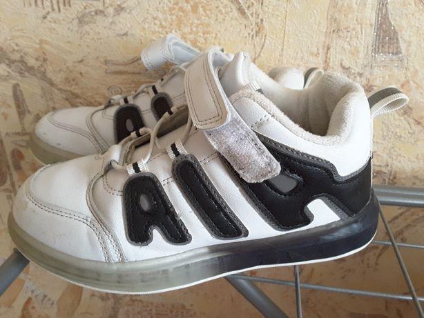 Продам детские кросовки 34 р.
