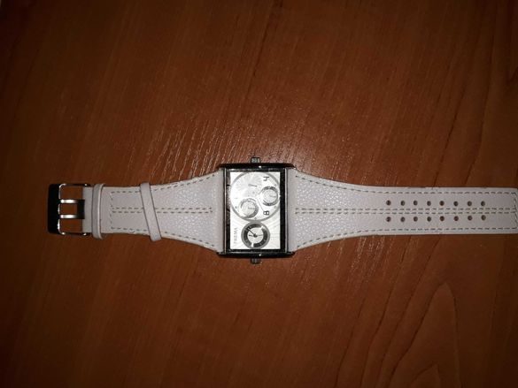Продавам часовник унисекс