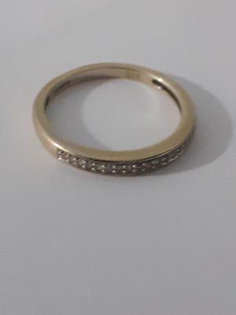 Inel vechi din aur9k cu 17 diamăntuțe