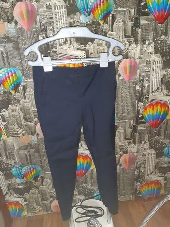Продам школьные брюки  ( для девочки)