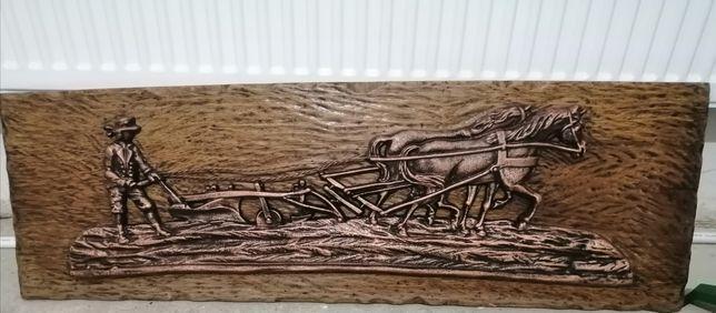 Tablou, turnat în relief, dimensiune mare pe panoplie de stejar