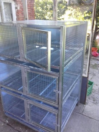 Клетки за зайци,кокошки и пилета.