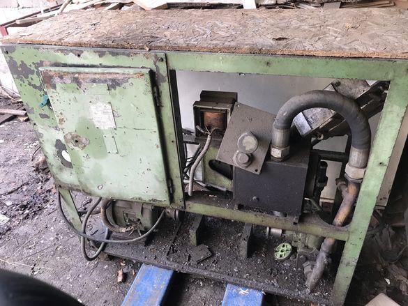Хидравничен блок на преса с двигател
