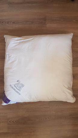 Подушка на лебяжьем пуху