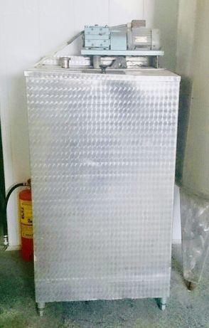 Хомогенизатор за хранителни цели 250л, цилиндричен