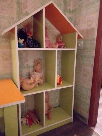 Стол для детей и кукольный дом