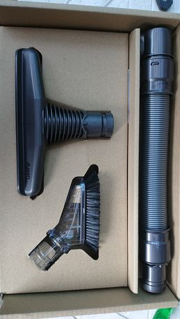 Dyson V 6 Complete Cleaning Kit