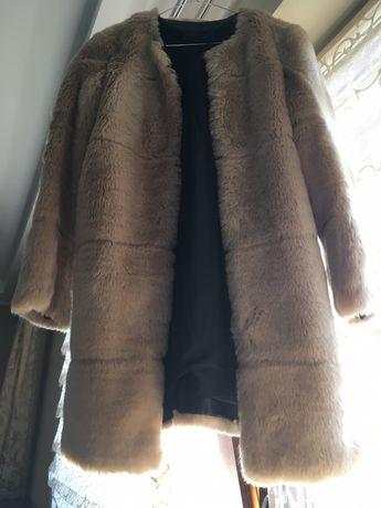 Vând palton