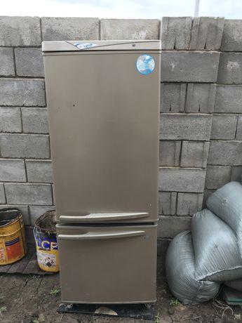 Холодильник (рабочий)