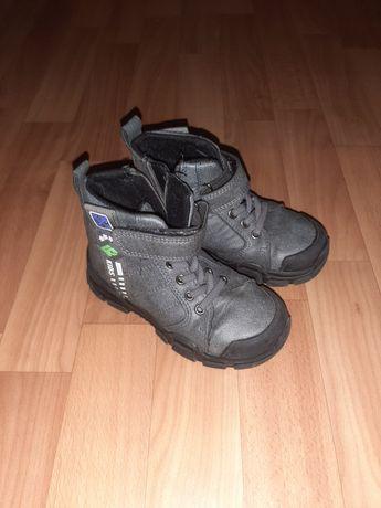 Продам ботиночки на осень  размер 27