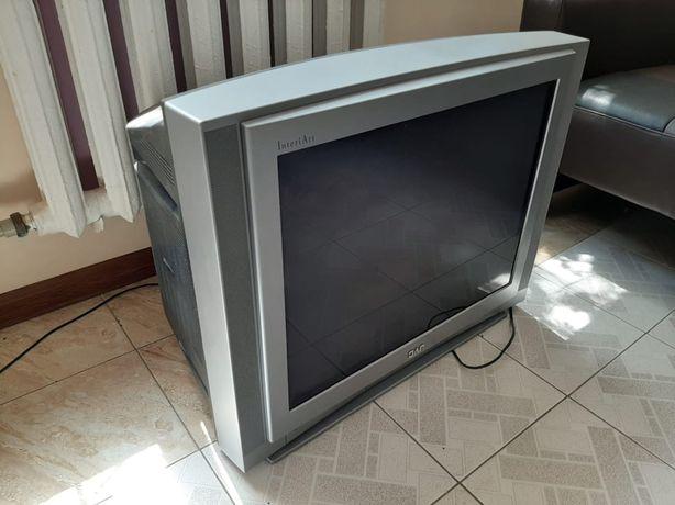 Большой телевизор в отличном состояний