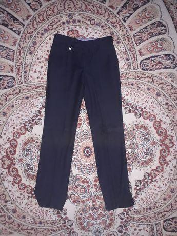Продам школьные брюки и пиджак
