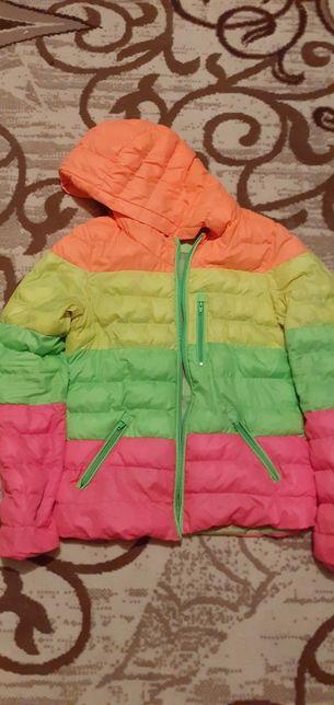 Продам куртки осенние
