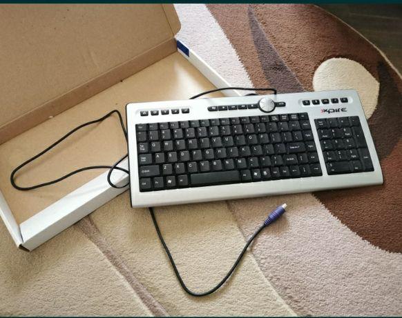 Vand 3 tastaturi
