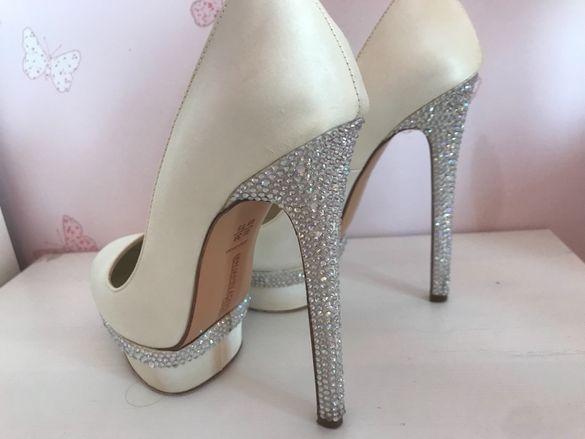 Дамски обувки с камъни Сваровски
