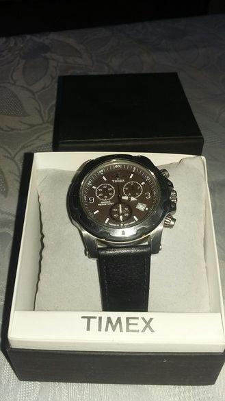 Часовник Timex ..