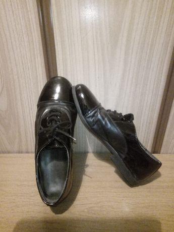 Обувки от етествена кожа