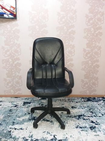 Продаётся кресло для руководителя