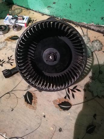 Продам вентилятор печки