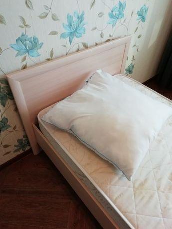 Кровать, без решетки и матраса